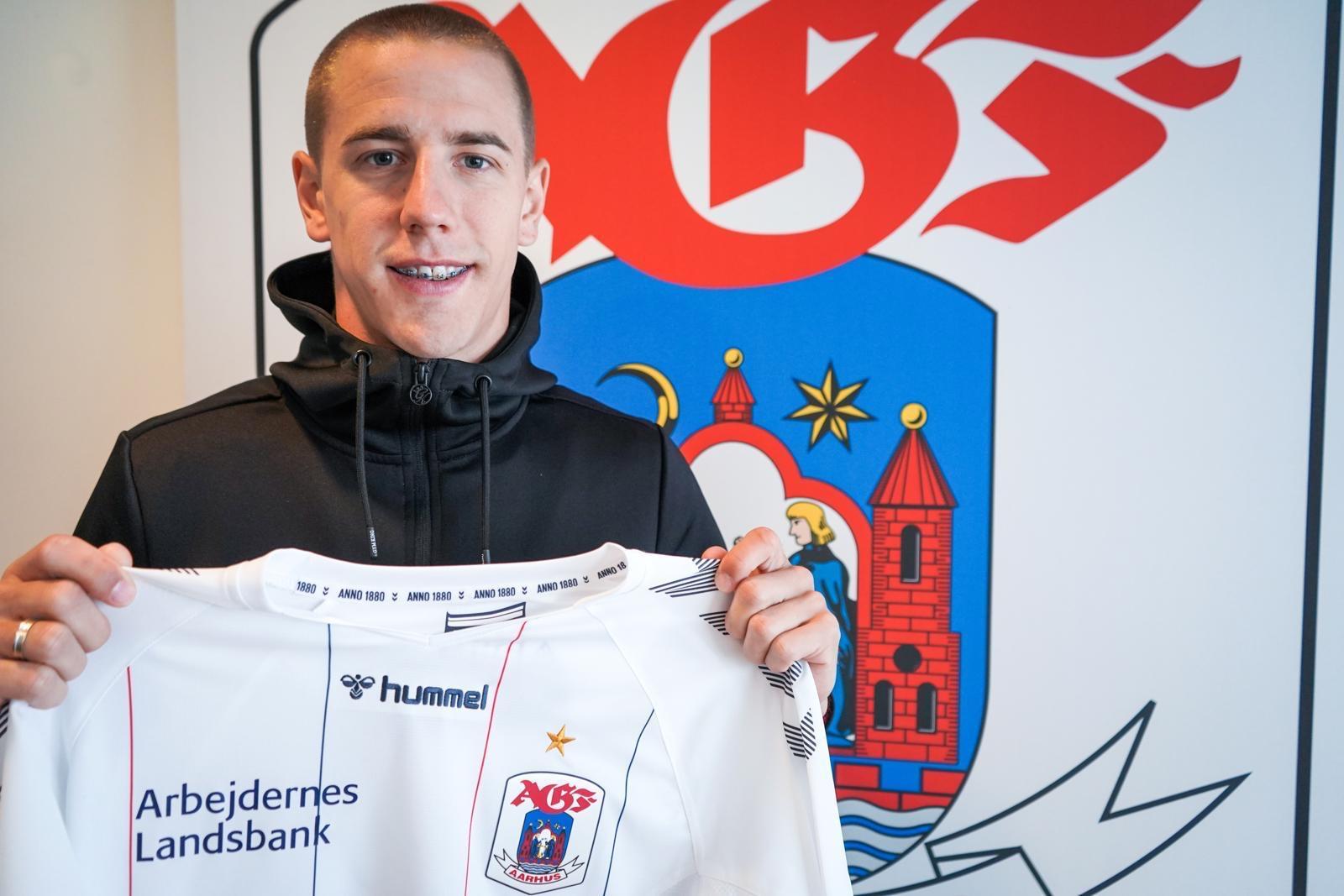 Milan Jevtović potpisao za Arhus!