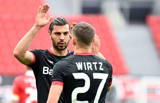 Aleksandar Dragovic (l) wechselt zu Roter Stern Belgrad. Foto: Ina Fassbender/AFP-Pool/dpa